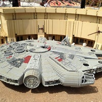 Снимок сделан в Legoland California пользователем Gina T. 7/30/2012