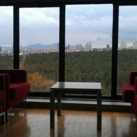 1/8/2012 tarihinde Cem O.ziyaretçi tarafından ODTÜ Kütüphanesi'de çekilen fotoğraf