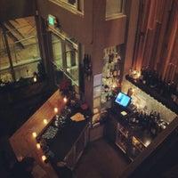 Foto tirada no(a) Poco Wine + Spirits por Sung-Ju em 1/12/2012