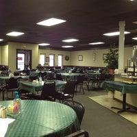 Снимок сделан в Apple Blossom Café & Catering пользователем Brad H. 1/1/2012