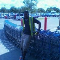 Photo prise au Walmart Supercenter par Austin D. le8/22/2011