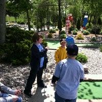 Das Foto wurde bei Zig-E's Funland von Jay H. am 4/21/2012 aufgenommen