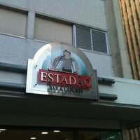 Foto tirada no(a) Estadão Bar & Lanches por Kahena d. em 5/26/2012