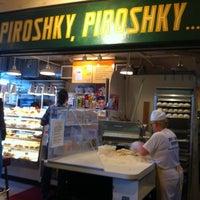 6/12/2012에 Ninja C.님이 Piroshky Piroshky에서 찍은 사진