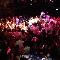 รูปภาพถ่ายที่ The Kessler Theater โดย Suzanne F. เมื่อ 3/31/2012