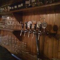 Photo prise au Harvest Pub par Babaji I. le10/28/2011