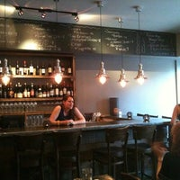 Foto scattata a Kaia Wine Bar da Mike L. il 6/19/2011