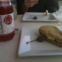 11/26/2011 tarihinde Gabrielle B.ziyaretçi tarafından No. 109 Cheese & Wine'de çekilen fotoğraf