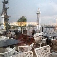 Foto tirada no(a) Ресторан & Lounge «Река» por Elena E. em 6/19/2012