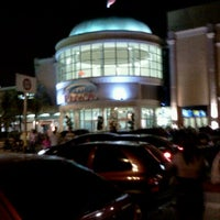 Foto tirada no(a) Grand Plaza Shopping por Leandro L. em 11/20/2011