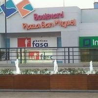 Photo prise au CC Plaza San Miguel par Juan V. le4/15/2012