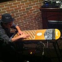 4/19/2012にJonn NubianがGizzi'sで撮った写真