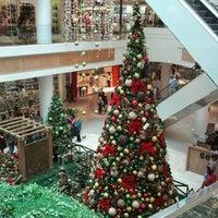 Foto diambil di Boulevard Shopping oleh Marcos M. pada 11/20/2011