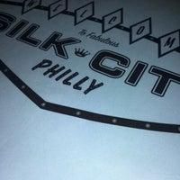 Foto tirada no(a) Silk City Diner Bar & Lounge por Tasha E. em 1/13/2012