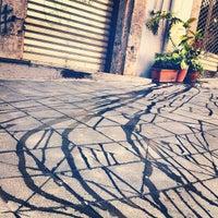 Photo prise au Piazza Vincenzo Bellini par Yuanhao L. le8/16/2012