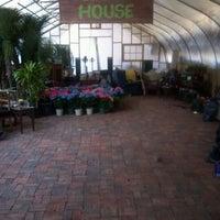 Das Foto wurde bei Urban Garden Center von Dimitri am 3/30/2012 aufgenommen