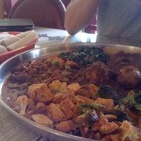 Foto scattata a Queen Sheba Ethopian Restaurant da Michelle H. il 5/26/2012