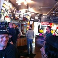 Photo prise au Pizza Port Brewing Company par Jason B. le4/1/2012