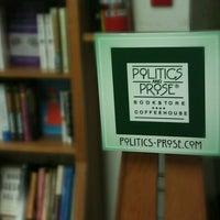 Photo prise au Politics & Prose Bookstore par Ogun H. le4/21/2012
