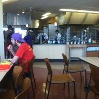 Foto tomada en DeNaples Fresh Food Company (University of Scranton) por Zachary H. el 4/14/2012