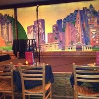 Photo prise au Punch Line Comedy Club par JM H. le4/16/2012