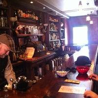 Das Foto wurde bei Lucey's Lounge von Kyle J. am 5/12/2012 aufgenommen