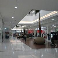 Foto scattata a Shopping Park Europeu da Roberto N. il 9/2/2012