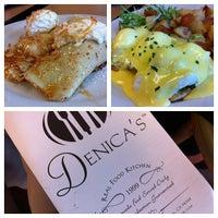 Foto tirada no(a) Denica's Real Food Kitchen por Suitkace R. em 7/20/2012
