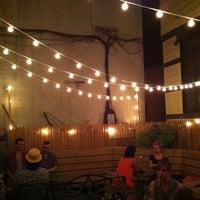 Foto scattata a Soft Spot Bar da Eric R. il 8/4/2012