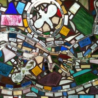 Foto tirada no(a) Philadelphia's Magic Gardens por Dixie C. em 7/8/2012