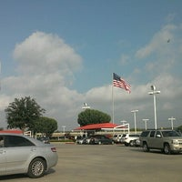 Photo prise au San Marcos Toyota par Harmoney V. le6/28/2012