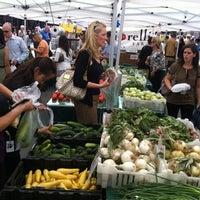 Снимок сделан в Rockefeller Center Farmers Market пользователем Melissa S. 7/25/2012