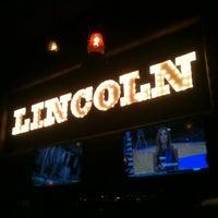Снимок сделан в The Lincoln Room пользователем Chris P. 6/16/2012