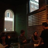 Foto tomada en Moxy American Tapas Restaurant por Monte B. el 5/2/2012
