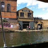 รูปภาพถ่ายที่ Lockside Lounge โดย Ben S. เมื่อ 5/11/2012