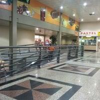 Foto tirada no(a) Giassi Supermercados por Vinicius A. em 3/9/2012