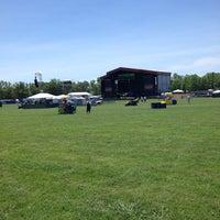 Photo prise au What Stage at Bonnaroo Music & Arts Festival par James B. le6/14/2013