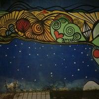รูปภาพถ่ายที่ La Rocca Brasil - Beach Hostel Porto de Galinhas โดย Cláudio C. เมื่อ 6/10/2014