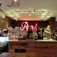Foto tomada en Perk Kafe por Ben R. el 5/11/2013