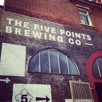 Photo prise au The Five Points Brewing Company par The Five Points Brewing Company le7/15/2013