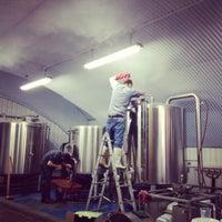 Foto diambil di The Five Points Brewing Company oleh The Five Points Brewing Company pada 10/14/2013