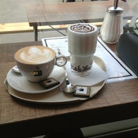 รูปภาพถ่ายที่ OR Coffee Bar โดย Ella D. เมื่อ 3/28/2013