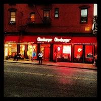 Foto scattata a Cheeburger Cheeburger da Stephen D. il 10/5/2012