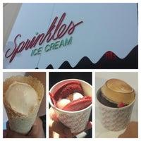 Das Foto wurde bei Sprinkles Ice Cream von Kezia I. am 8/16/2013 aufgenommen