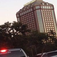 Снимок сделан в Hilton Anatole Dallas (FIVESTAR CONFERENCE) пользователем Chuck M. 11/6/2014