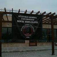 2/28/2014にEren U.がSDÜ Rock Topluluğu Kulüp Odasıで撮った写真