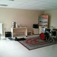 10/17/2014にEren U.がSDÜ Rock Topluluğu Kulüp Odasıで撮った写真