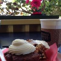 รูปภาพถ่ายที่ Hidden House Coffee โดย Laurie K. เมื่อ 5/31/2013