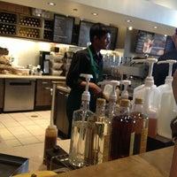 Das Foto wurde bei Starbucks von Samantha G. am 3/10/2013 aufgenommen