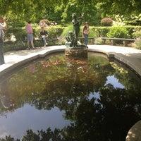Foto tomada en Conservatory Garden por Sigalle B. el 6/9/2013